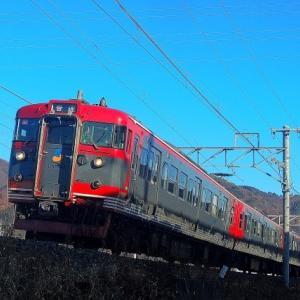12/14 天気が良すぎて新幹線の高架橋の影が落ちる
