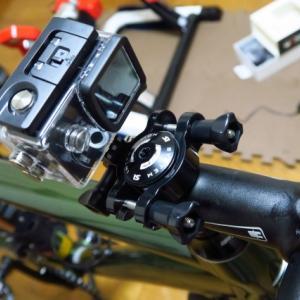 Cannondaleのトップキャップにカメラをマウントする方法