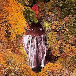 横谷渓谷王滝の紅葉
