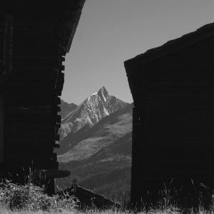アルプスの風景(モノクロ版) ツェルマット 71  ツムゼー 2