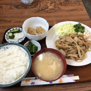 鬼怒川公園駅すぐ近く、労働者ご用達の定食屋「丸八食堂」でランチ 隠しメニューピリ辛焼肉定食を食べてきた