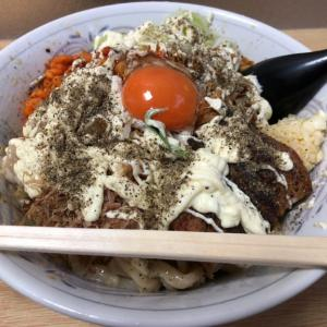 村岡屋さん8月の限定麺は「冷やし汁なし」 夏にぴったし!爽やかな酸味を感じる絶品汁なし麺