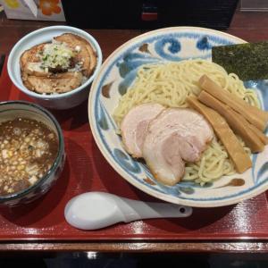 小山市「らーめん麦わら」に初訪問 濃厚魚介スープのつけ麺にチャーシュー丼を食べてきた