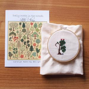 carolyn manning designs「Daily Walk in the Woods」1