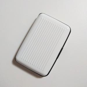 ★キャンドゥ★パカッと使いやすいカードケース♡