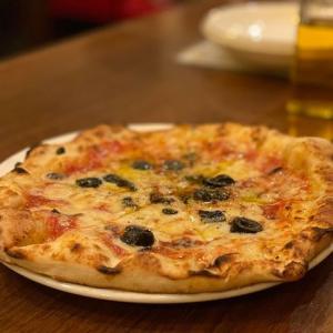 浜町駅からスグのピザやパスタをはじめとするイタリアンのお店 CAFFE LARGO(カフェ・ラルゴ)