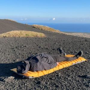 【レビュー】旅行や車中泊で大活躍 厚み10cmまで達するエアーマットZOOOBELIVES