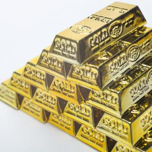 金(GOLD)ではないのですが、プラチナ積立もしています。