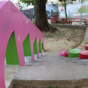 ピンクの城壁