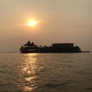 カンボジア入国!トンレサップ湖綺麗だったよ!