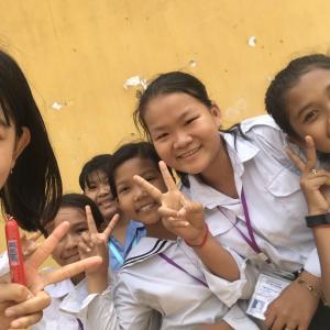 カンボジアの子供、人懐っこいすぎる!だよ!