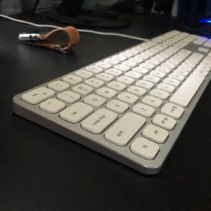 Satechi US配列 USB キーボード テンキー付を試す