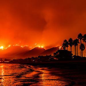 驚くべき情報 :カリフォルニア州の山火事の真実
