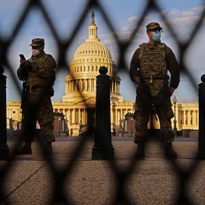 「トレスト作戦」の心理戦が明らかになり、DCは大規模な戦争に備える: マイク・アダムスの状況の更新、2021年1月16日