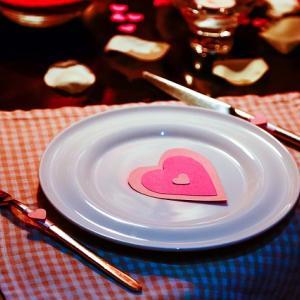 LINEでご飯の誘い方。デートに誘う戦略!