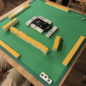 ブロバー麻雀大会を見学してきました。牌の音をBGMに作業ができる空間!