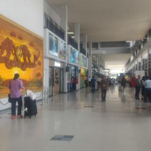 ビエンチャンの空の玄関「ワッタイ国際空港」