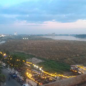 メコン河の夕陽も眺められるレストラン「Majestic View Restaurant(マジェスティックビューレストラン)」@ビエンチャン