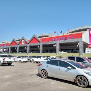 ビエンチャンで一番活気のあるショッピングモール -アイテックモール(Itecc Mall)-(ビエンチャン、ラオス)