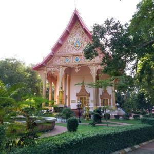 深い緑に囲まれたビエンチャン市街近郊のお寺 - ワットプラノンブアトーン(Wat Pa Nong Bouathong) - (ビエンチャン・ラオス)