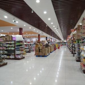 チャイナタウンにある中国系スーパー - 万象盛昌超市(Shengchang Supermarket ຊຸບເປີມາເກັດເຊີງຊາງ) - (ビエンチャン・ラオス)