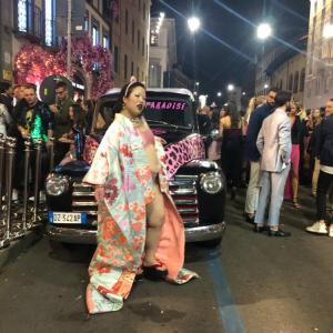 吉本興業所属のゆりやんレトリィバァ・ミラノで醜い水着姿に着物を羽織り日本の伝統と品位を貶める暴挙