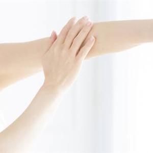体の歪みを治し、美しい体を取り戻す!【腕編】