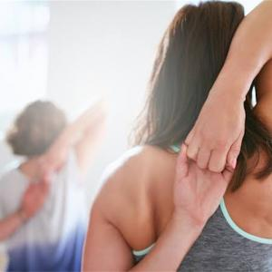 【ストレッチしても肩甲骨が柔らかくならない方必見!】肩甲骨を柔らかくする1つの方法