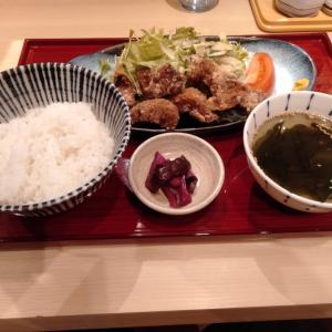 「そばえもん 川崎アゼリア店」で、濃厚な味わいの、豚肉の唐揚げの定食を食べてみた