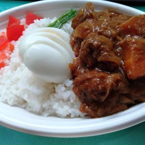 カレーハウス ピヨ 川崎アゼリア店で、テイクアウトメニューのマレーシアカレーを食べてみた