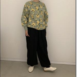 ミモザの日に着たかった~。ミモザ柄の洋服が多数フェリシモから販売されてます。
