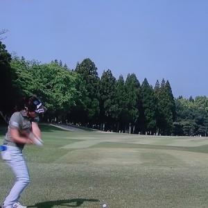 女子プロゴルファーの戦い!