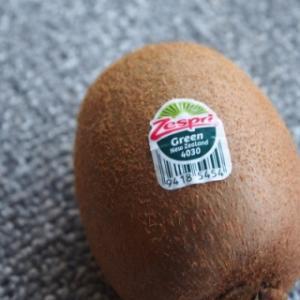 輸入果物のシールに書かれた意味