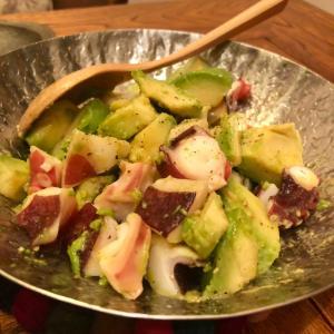 蛸とアボカドのサラダ
