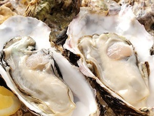ワインにあう簡単牡蠣とキノコのアンチョビガーリックブルスケッタのレシピ