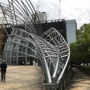ヤン・ヴォー展を見学してから、大阪フィルの定期演奏会へ。沼尻の「大地の歌」はまずまずの名演。