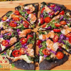 ドミニカ共和国で急速にファンを増やす低カロリーピザ「Fit-zzas ピザ」