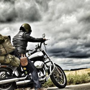 大型バイクの取り回しって大変?中型バイクと大型バイクの比較