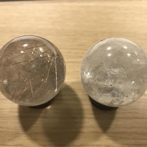 占いの道具 ー水晶玉ー