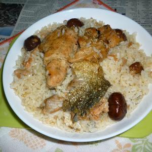 焼き鮭のアラと焼き栗の炊き込みご飯でカフェ丼
