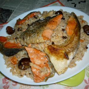 トラウト・サーモン+焼き栗の炊き込みご飯のカフェ丼