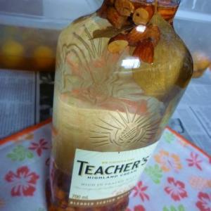アーモンド酒を作ってみる