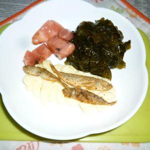 豆あじの燻製・紅生姜のオイル漬け・わかめのタパス