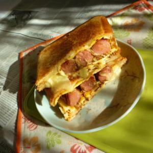 ウインナー&卵焼きのホットサンド