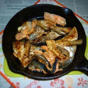 イシスキで銀鮭のアラの焼き鮭