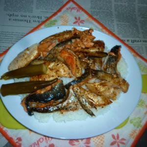 銀鮭のアラの焼き鮭でカフェ丼