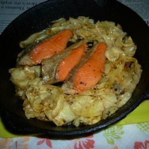 紅鮭のハラミと春キャベツのオリーブオイル炒め