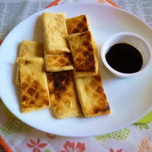 京揚げの網焼き+にんにくわさび醤油のタパス