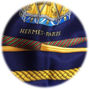 エルメス・カレの季節⁈そうだスカーフを巻こう