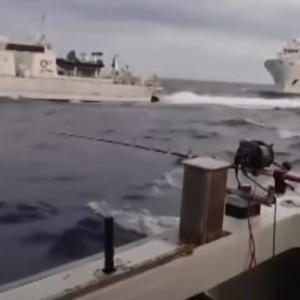 ☆尖閣で日本漁船を追い回す中国船 もはや艦隊が睨みあう戦場